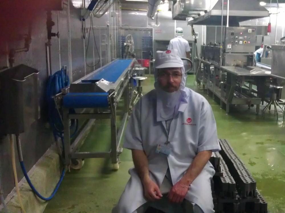 Le Machguia'h assiste à l'installation des moules Kacher