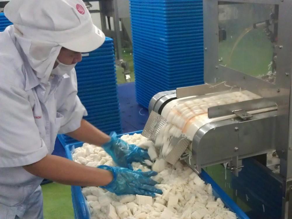 """La pâte des Bâtonnets sert aussi à la fabrication des """"Imitation Crevettes"""""""